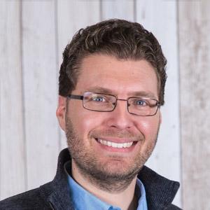 Headshot of Matthew Laurence